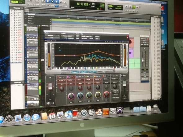 Waves HEQ Hybrid Equalizer At Work In A Nashville Trax mix