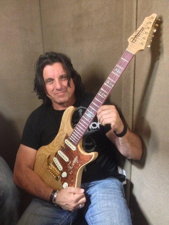 Blues Guitarist, Tony Pizzino