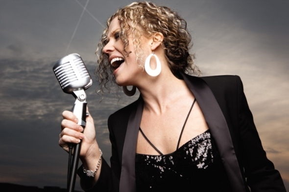 Kassie can sing some blues now!Click her pic!