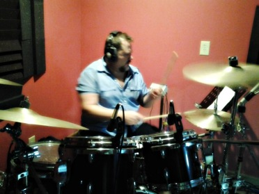 David Northrup (Travis Tritt, Oak Ridge Boys, now with Boz Scaggs) In the studio today laying down drum tracks for Nashville Tracks and Play It Again Demos clients. .